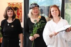 Kerstin Philipp premiere glotzen ist nicht sehen im brecht weigel haus 12 02 2012